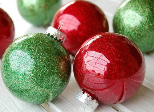 DIY Christmas Ornament - glitter filled ornaments