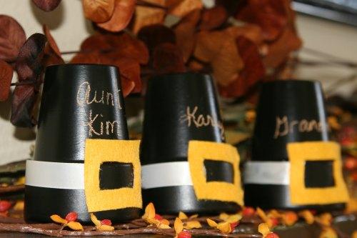 Thanksgiving Decoration Ideas - Painted pot pilgrim hat centerpiece