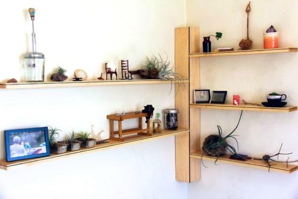 Corner Shelf - DIY Wood Corner Shelf