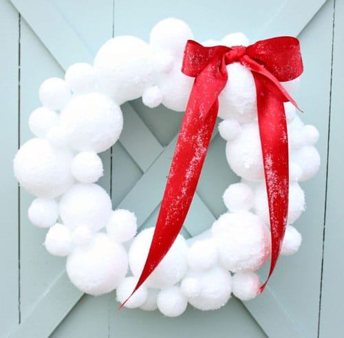 DIY Christmas Wreath Snowball Wreath