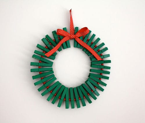 DIY Picture Holder Christmas Wreath