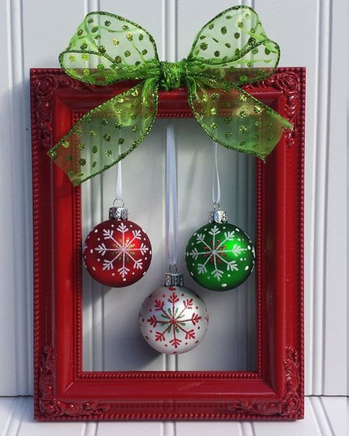 Easy Christmas Wreath - Unique Picture Frame