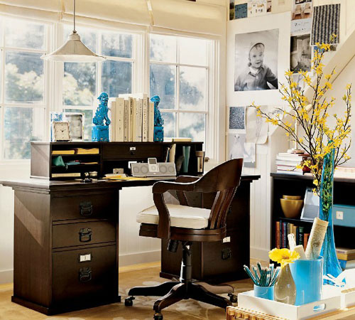 Home Office Decorating - Brown Desk
