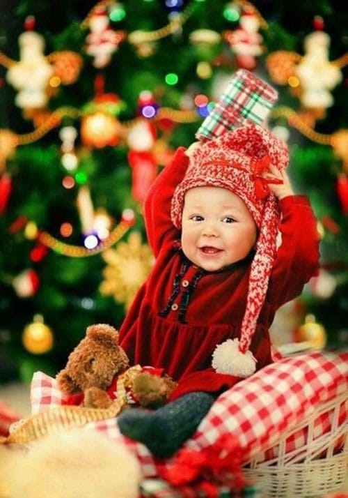 Baby Christmas Picture Ideas - Christmas Tree Background