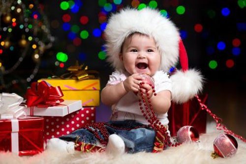Baby Pictures - Baby Christmas Pictures - Presents and Christmas Tree