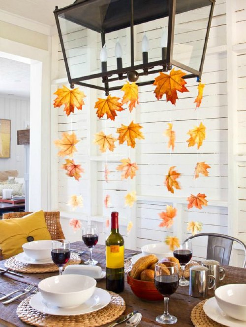 Thanksgiving Centerpiece Table Decorations - Falling leaves