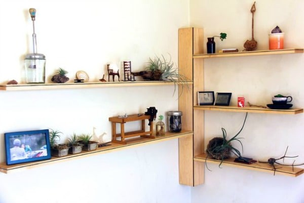 Corner Shelf - DIY Wood Corner Shelf
