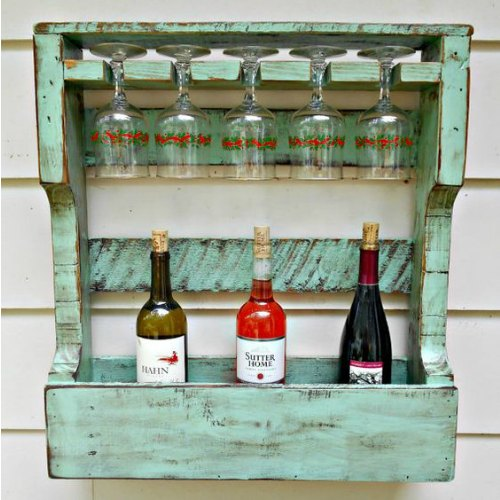 Distressed Pallet Wine Rack