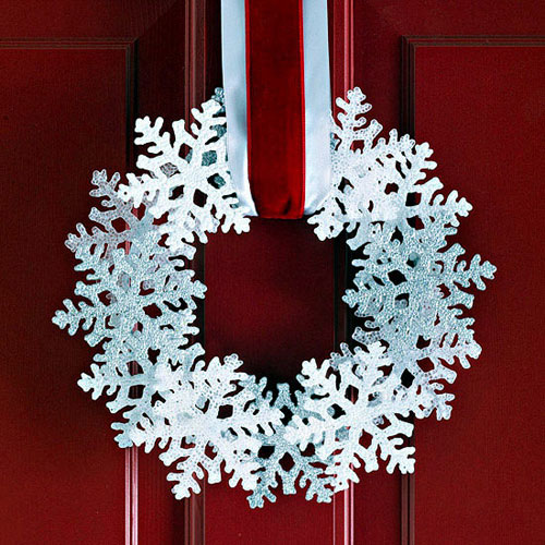 DIY Snowflake Christmas Wreath