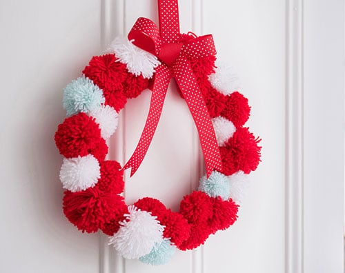 How to make A Christmas Wreath - Pom Pom Homemade Wreath