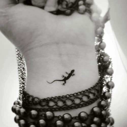 Small Tattoos on Wrist - Small Lizard Tattoo - Tiny Tattoo Ideas