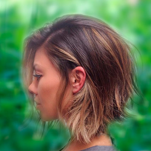 Short Textured Bob Hairstyle