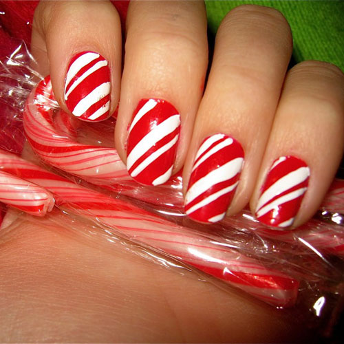 Christmas Nails - Candy Cane Stripe Nails