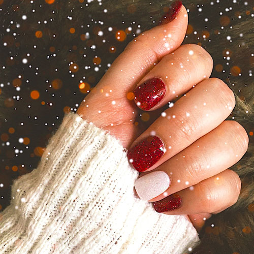 Christmas Nails - Simple Christmas Nails - 51 Festive Christmas Nail Art Ideas: Holiday Nail Designs (2019 Guide)