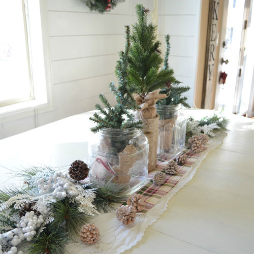 Simple Christmas Centerpieces - Christmas Table Decorations