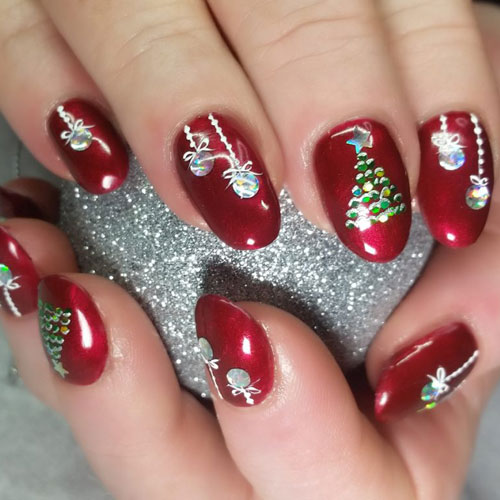 51 Festive Christmas Nail Art Ideas Holiday Nail Designs 2020 Guide