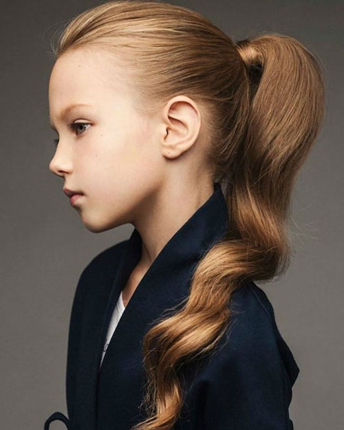 Wavy Ponytail Hairstyle - Little Girl Hairstyle - Simple Ponytails